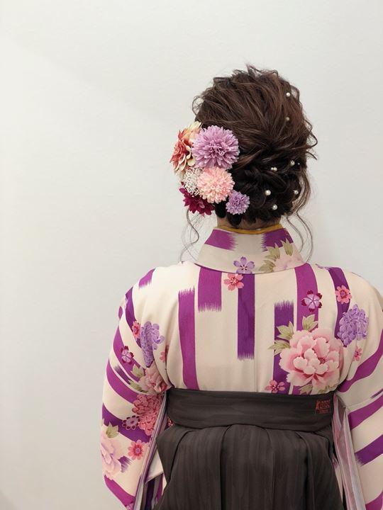 uleaの袴の着付け、ヘアセットの様子