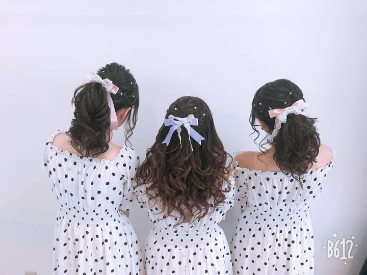 結婚式やライブに参加されるお客様のヘアセット写真