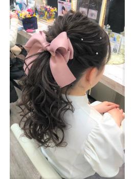 売れsのヘアセット(ポニーテール)の写真